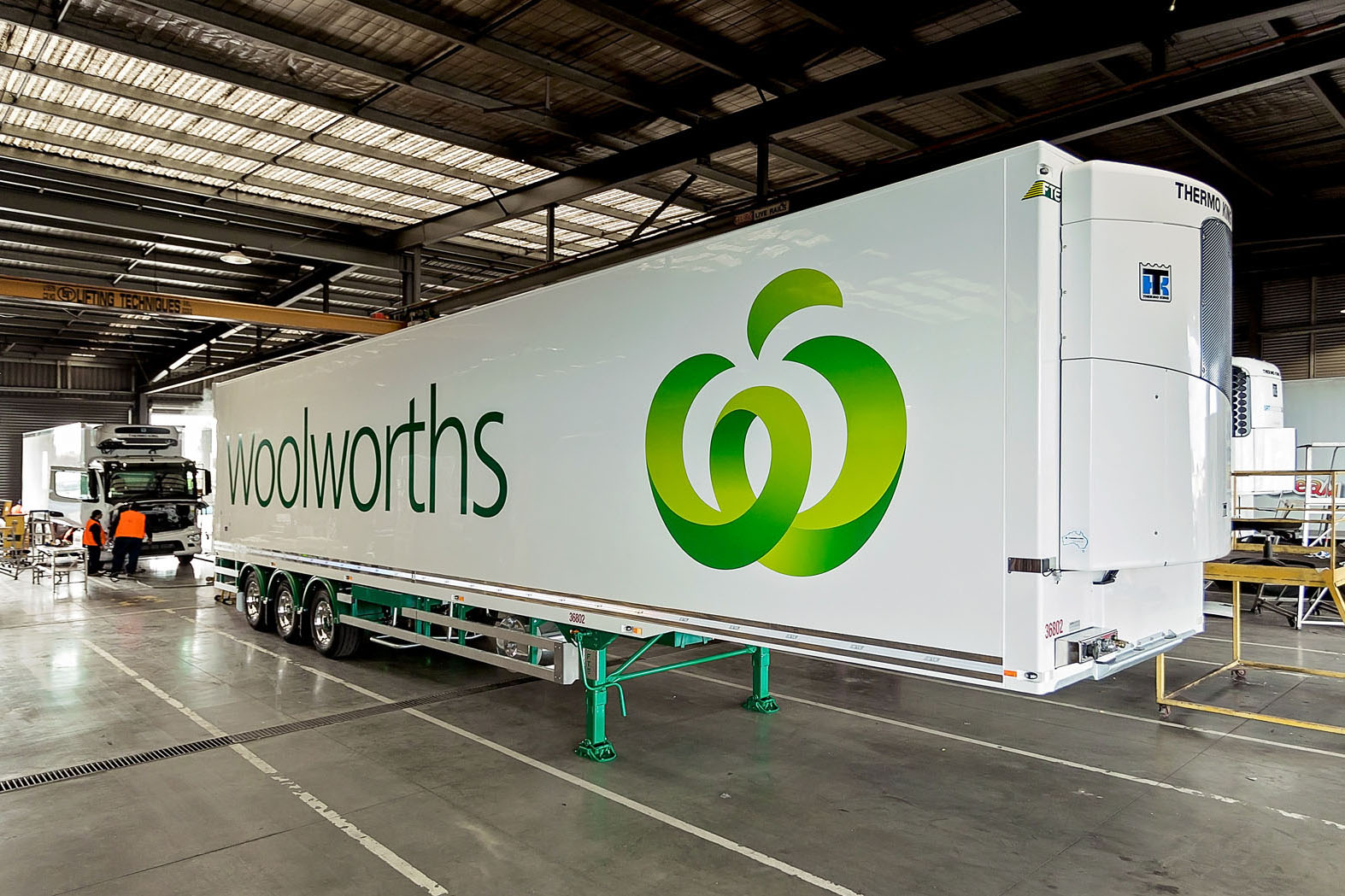 Thermo King unit on Woolworths truck